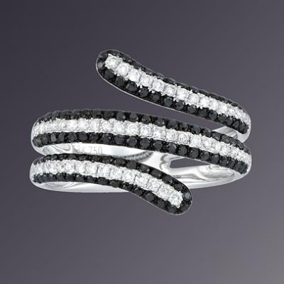 18KT WHITE GOLD BLACK& WHITE DIAMOND RING