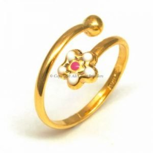 9kt GOLD WHITE DAISY RING